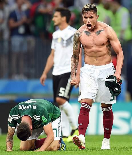 Матч между сборными командами Германии и Мексики на стадионе «Лужники». Мексиканский защитник Карлос Сальседо