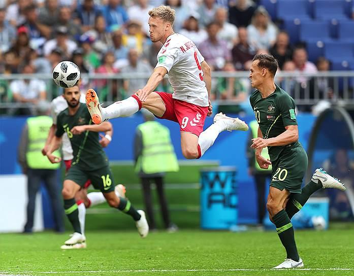 Матч между сборными Дании и Австралии в Самаре
