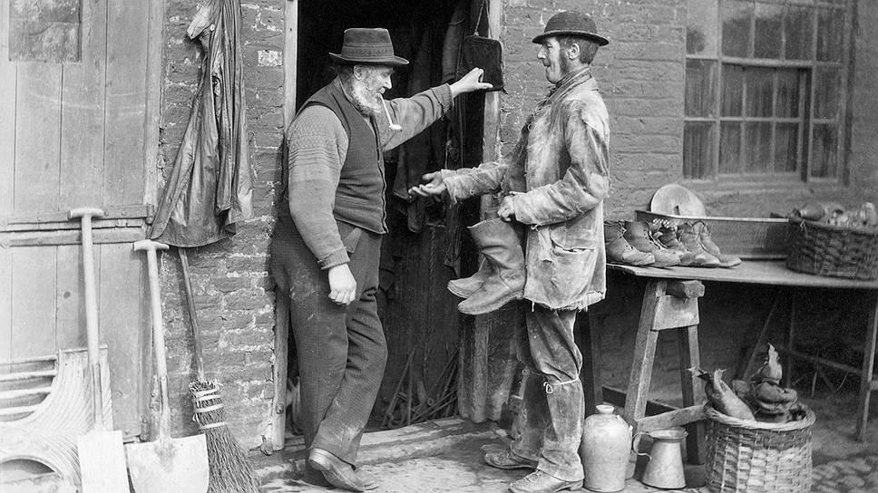В XIX веке торговля поношенными вещами в США нашла место в литературе