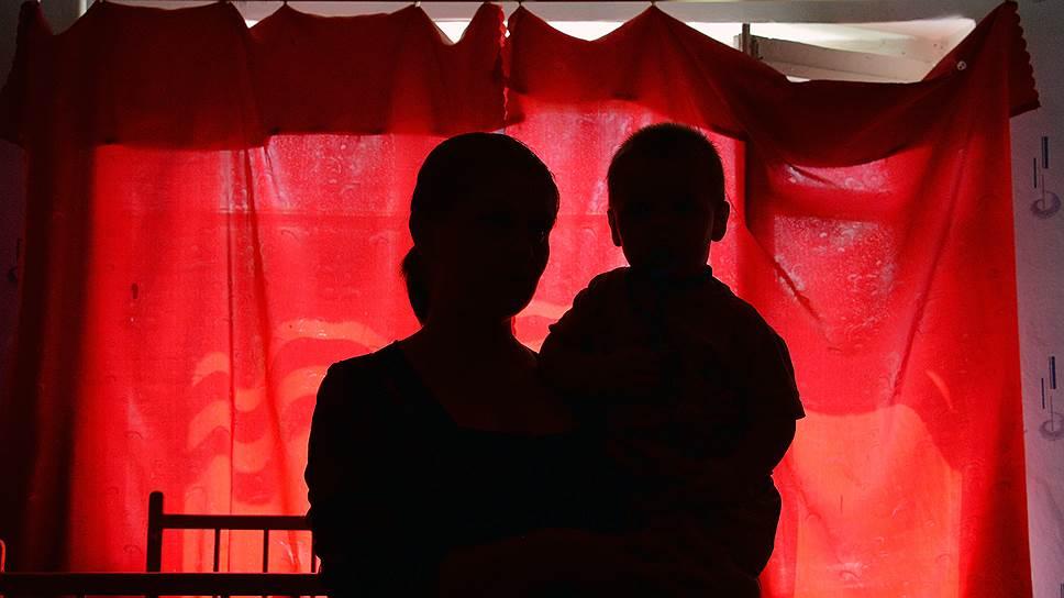 Как КС признал нарушение Конституции в вопросах усыновления