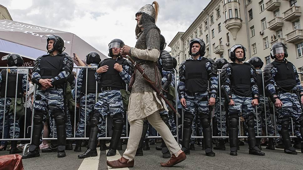 Верховный суд обязал получать разрешения на митинги на частных территориях