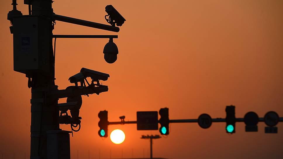 Сколько Москва планирует вложить в светофоры и камеры