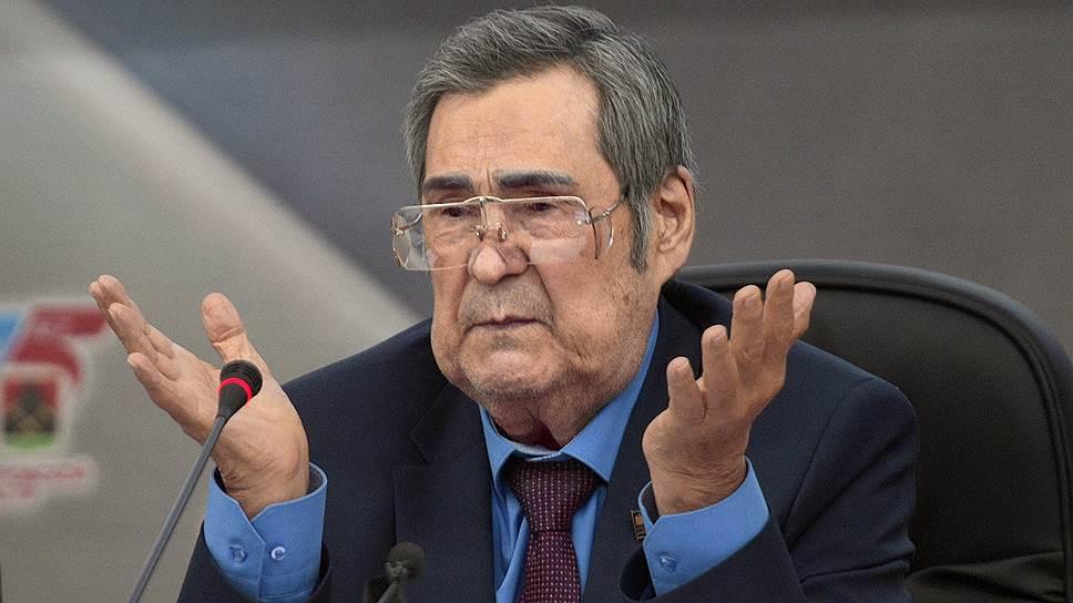 Как Аман Тулеев провел последнее заседание кемеровского парламента