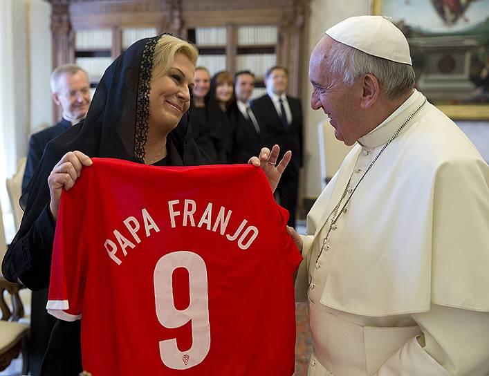 Президент Хорватии Колинда Грабар-Китарович и папа римский Франциск, 2015 год