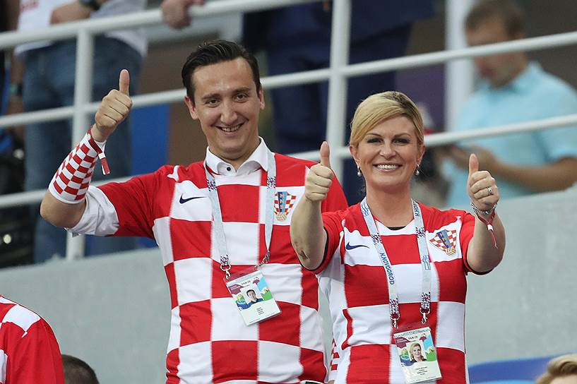 Президент Колинда Грабар-Китарович на трибунах во время матча 1/8 финала ЧМ-2018 между сборными Хорватии и Дании