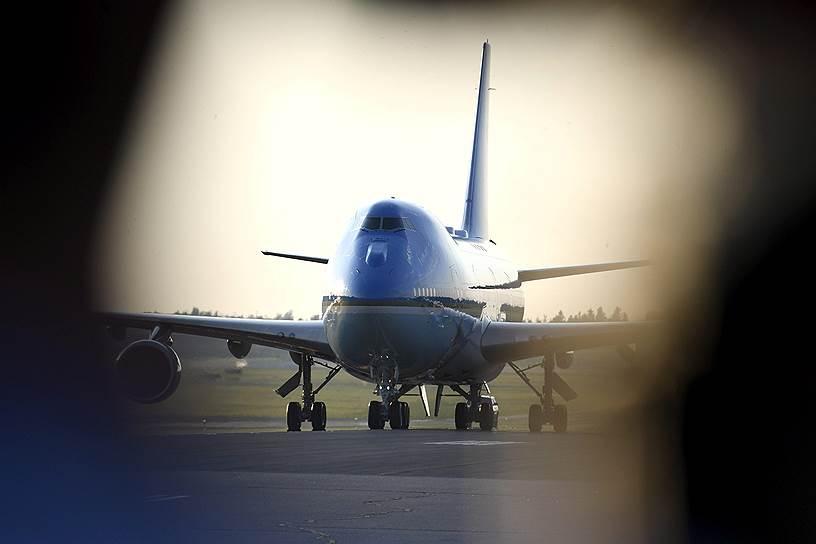 Самолет президента США Дональда Трампа после приземления