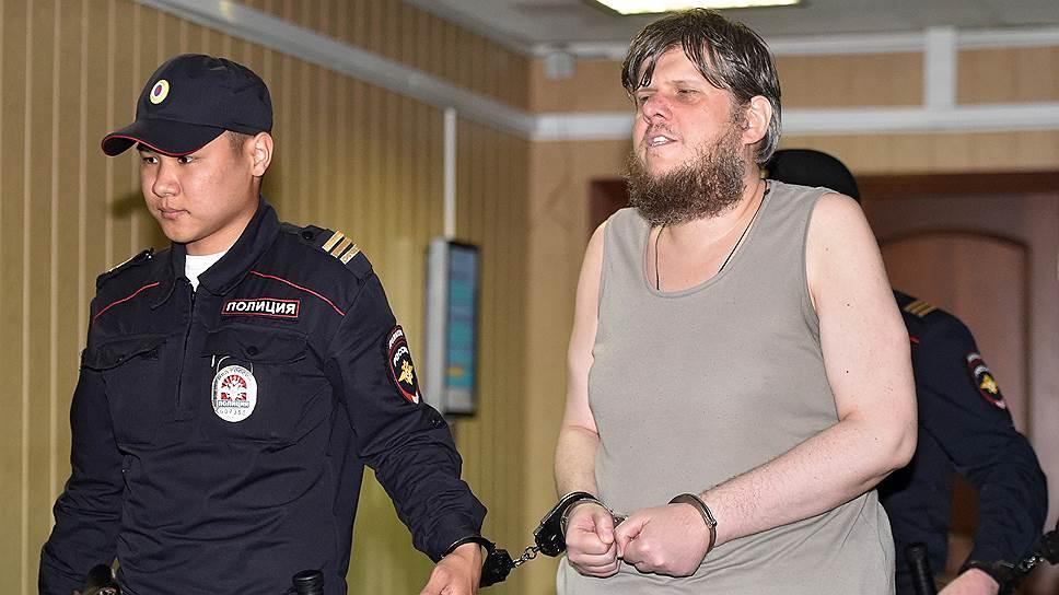 Организатор секты Андрей Попов (справа)