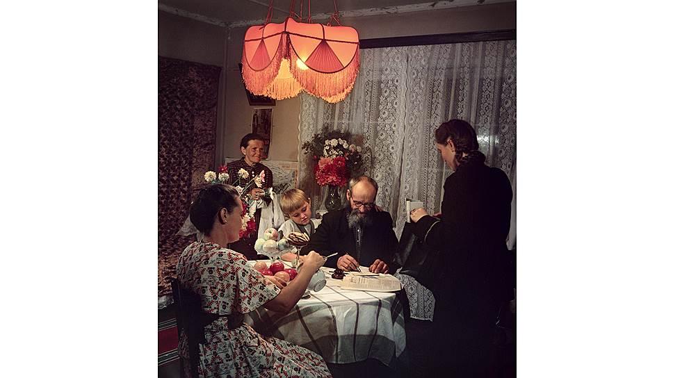 Советская пропаганда любила изображать счастливую жизнь пенсионеров. На самом же деле их содержание было мизерным