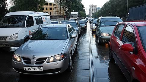 А просто летний дождь пройдет // ЦОДД предупреждает о пробках из-за ливня, а метеорологи — о возвращении жары
