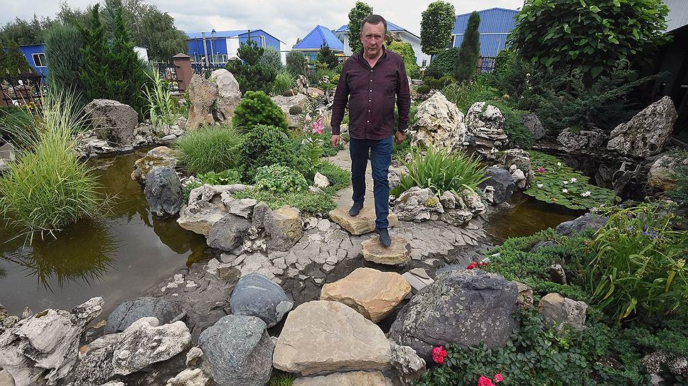 Японский сад камней на территории лакокрасочного завода — место для послеобеденного отдыха сотрудников