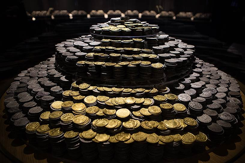 Серебряные и золотые монеты, поднятые с «Девы Марии Милосердной», показывали на выставке в Мексике в 2016 году
