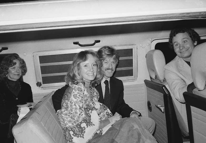 Актер был дважды женат. В 1958 году он женился на однокурснице Лоле ван Вагенен (на фото), в браке с которой родились четверо детей, однако их первенец умер от синдрома внезапной детской смерти. В 2009 году актер женился на своей давней спутнице Сибилле Сцагаррс