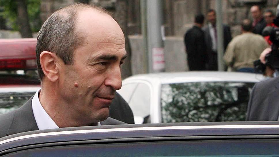Почему Апелляционный суд Армении освободил из-под стражи Роберта Кочаряна