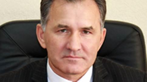 После иномарок бывшему чиновнику предъявили бильярдную // Экс-управделами алтайского губернатора обвинен во взяточничестве