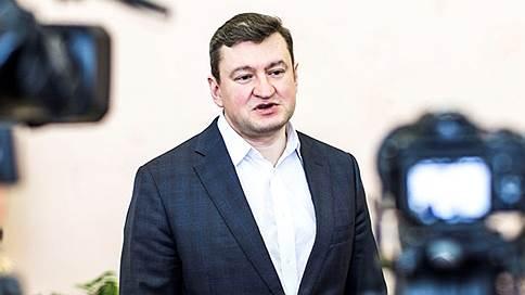 Мэра Оренбурга взяли следом за его заместителем // Чиновнику инкриминируют получение взятки