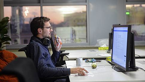 Директора зарабатывают в 312 раз больше рядовых сотрудников // Разрыв в вознаграждениях в США стремительно растет