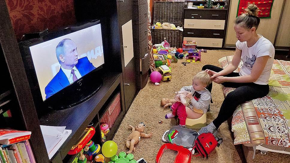 Как Владимир Путин выступал с телеобращениями к населению