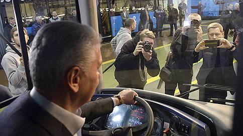 Москве предъявляют электробусы  / Поездки в них пока будут бесплатными