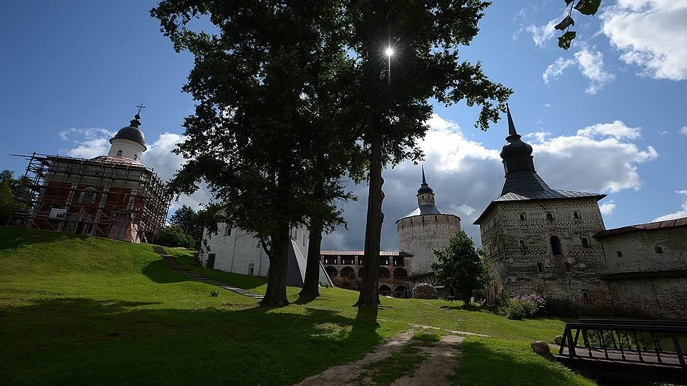 Главный Ивановский собор до сих пор обнесен лесами