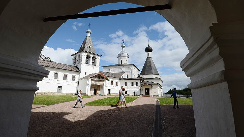 Святые ворота Ферапонтова Белозерского монастыря