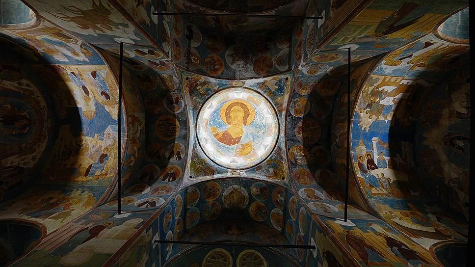 Образ Христа в куполе Собора Рождества Богородицы