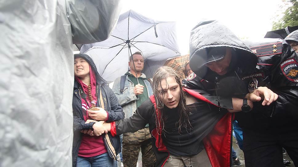 Почему в Екатеринбурге задерживали журналистов