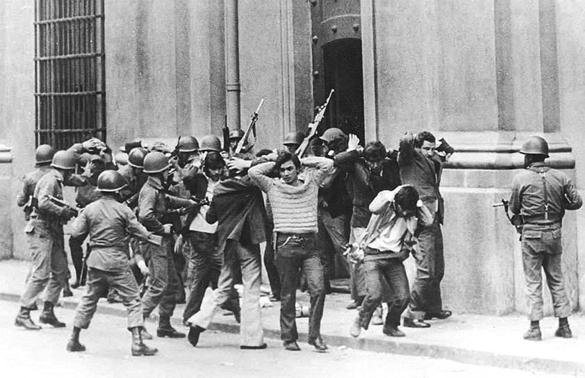 Примечательно, что советские спецслужбы переворот в Чили «проспали», тогда, как о влиянии США заговорили сразу же