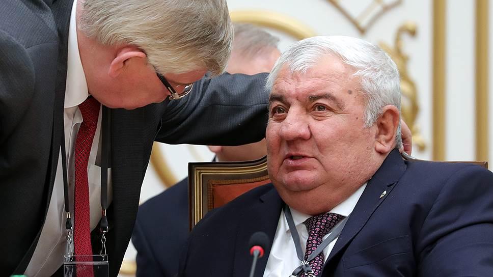 Генеральный секретарь ОДКБ Юрий Хачатуров (справа)
