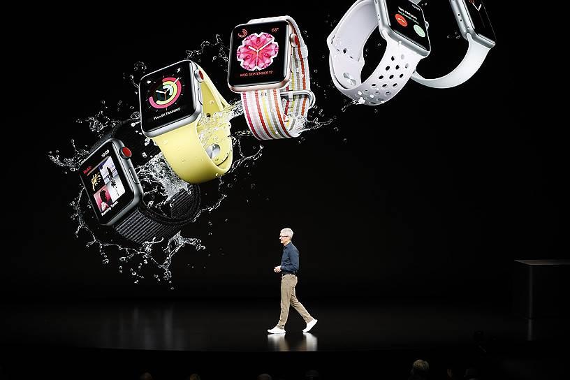 У Apple Watch Series 4 на треть увеличен дисплей, двухъядерный 64-разрядный процессор и обновленный графический процессор. Стоимость — от $463 или 31 990 руб