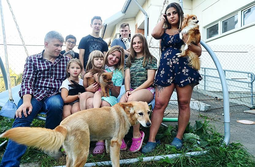 Лана и Игорь Истомины и их дети