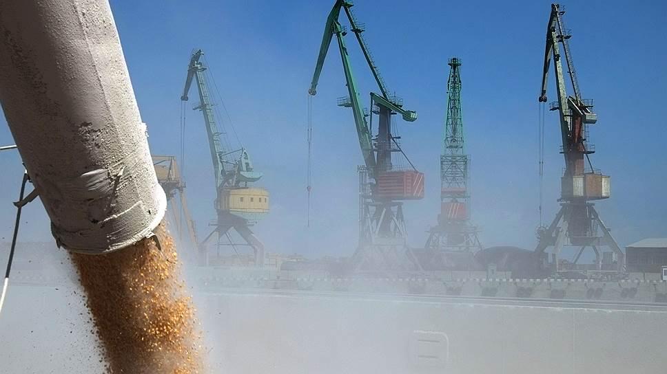Почему работа около 30 компаний—владельцев погрузочных площадок зерна может быть приостановлена