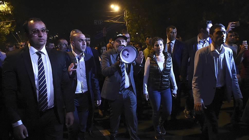 Как в начале октября в Армению вернулось протестное настроение