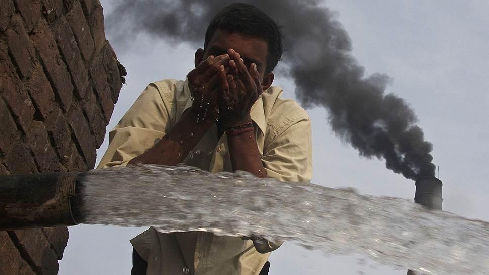 Загрязнение воды и воздуха — дело рук человека