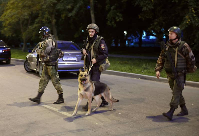 Впоследствии дело было переквалифицировано на ч.2 ст.105 УК РФ (убийство двух и более лиц)