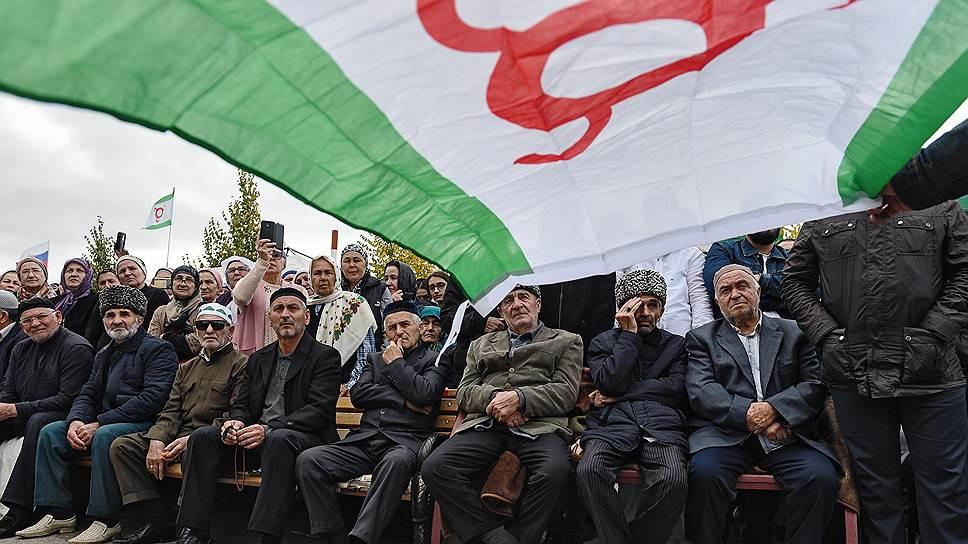 Какие политические требования выдвигают противники соглашения с Чечней