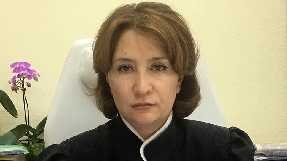 Судья Елена Хахалева