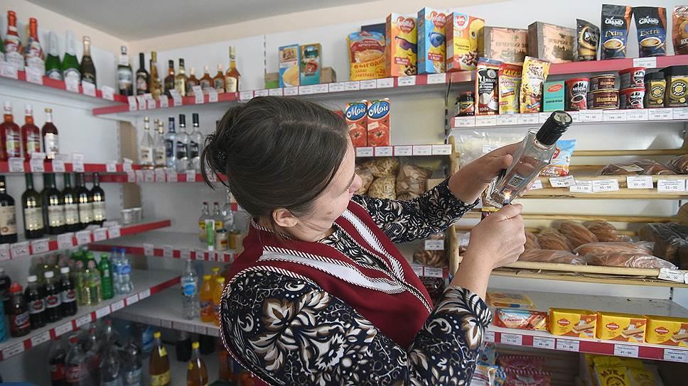 Почти треть потребляемого в России алкоголя является нелегальным