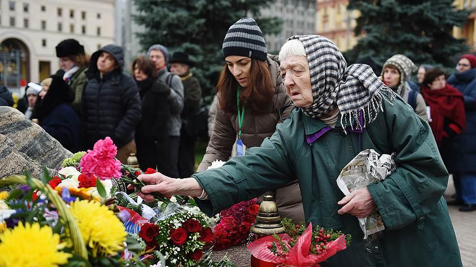 """У Соловецкого камня """"Ъ"""" выслушал родственников жертв репрессий"""