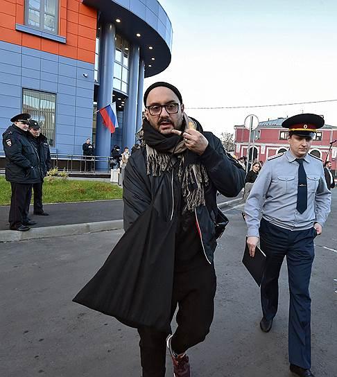 художественный руководитель «Гоголь-центра» Кирилл Серебренников (слева)