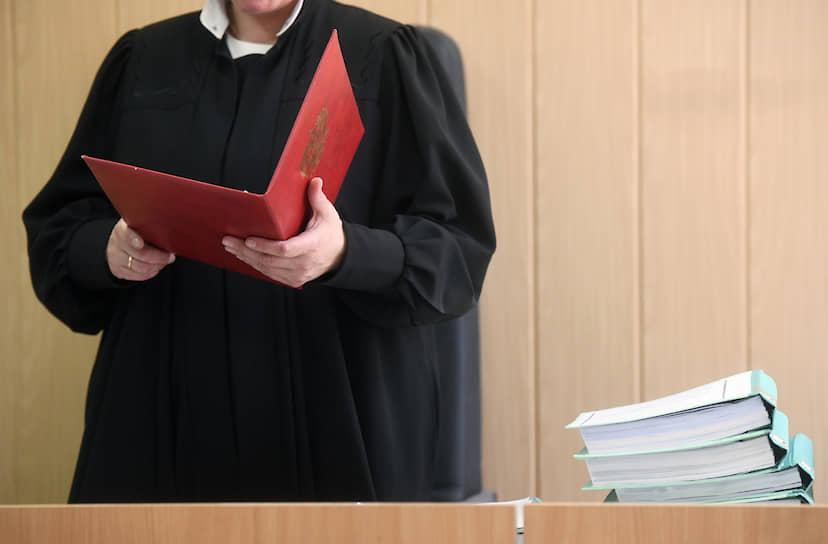 <strong>Ирина Аккуратова, судья по делу «Седьмой студии»</strong><br>Назначена судьей Мещанского районного суда 2 сентября  2002 года. После возвращения дела «Седьмой студии» на повторное рассмотрение в 2019 году его вела судья <strong>Олеся Менделеева</strong>