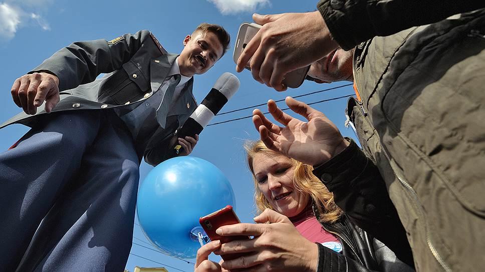 Крупные операции по мобильным счетам подпадут под контроль