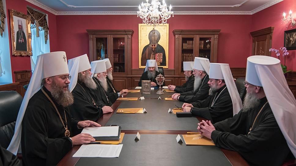 Почему встреча архиереев УПЦ и президента Украины провалилась