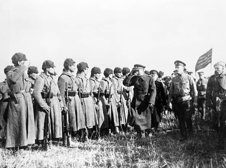 С приходом к власти Колчака начался новый виток Гражданской войны. К весне 1919 года его войска, получив поддержку союзников по Антанте, дошли до Урала. Большевики обвиняли адмирала в терроре и преступлениях против мирного населения