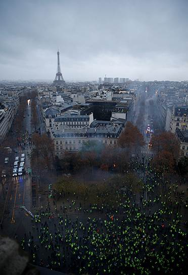 Господин Дельпюэш также отметил, что в беспорядках участвовали не только представители «желтых жилетов», но и радикально настроенные активисты ультраправых и ультралевых взглядов