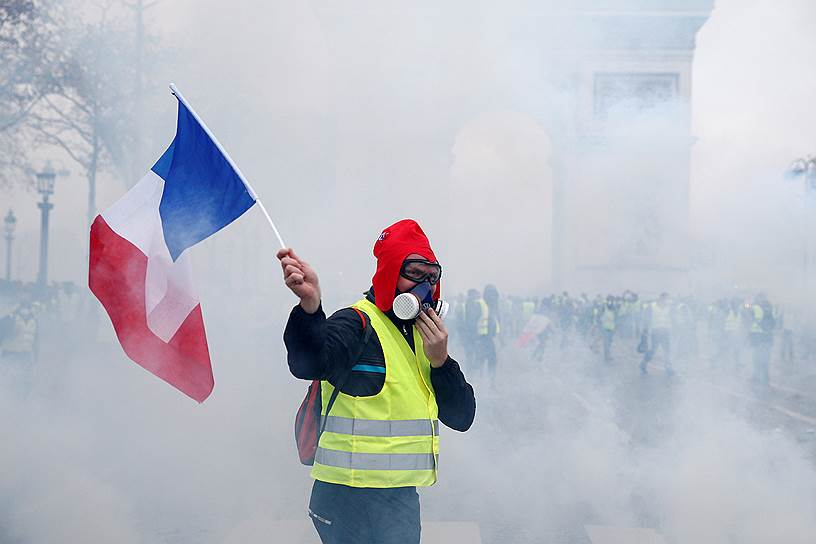 Согласно последнему опросу социологической службы Harris Interactive, 72% французов  поддерживают движение «желтых жилетов»