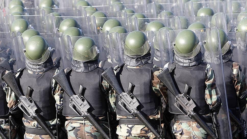 Ливанские солдаты с американскими винтовками М-16