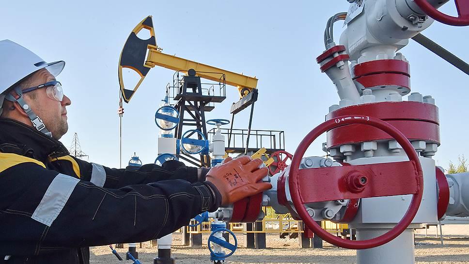 Почему Россия, видимо, не готова резко снижать добычу нефти