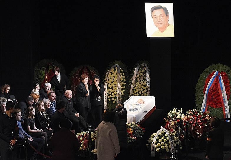 Смерть Николая Караченцова. Артист скончался 26 октября на 74-м году жизни. Заметность: 1 201,38