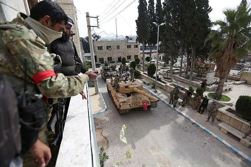 20 января ВС Турции совместно со «Свободной сирийской армией» начали операцию «Оливковая ветвь», целью которой было вытеснение курдских сил из района Африн, что произошло в марте (на фото)