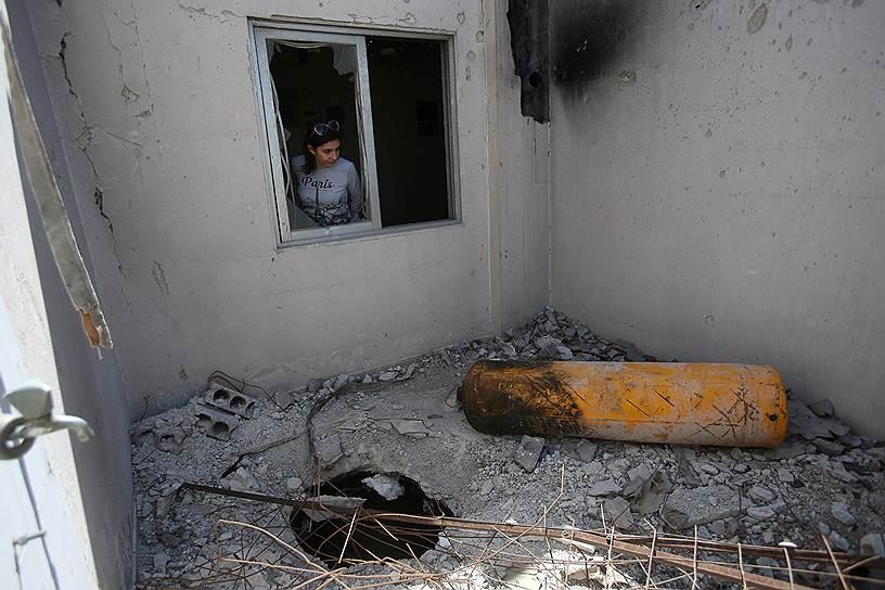 7 апреля в городе Дума близ Дамаска, по данным западной коалиции, было применено химическое оружие, в результате чего погибли не менее 70 мирных жителей